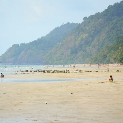 Over 10,000 Thais Visit Koh Chang in One Day This Long Weekend