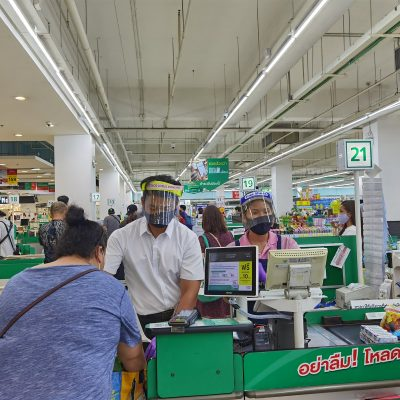Gov't to Make Tax Cuts on Purchases to Boost Spending