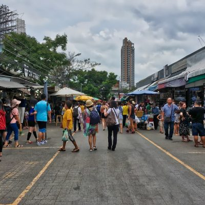 Chatuchak Market to Now Open Six Days