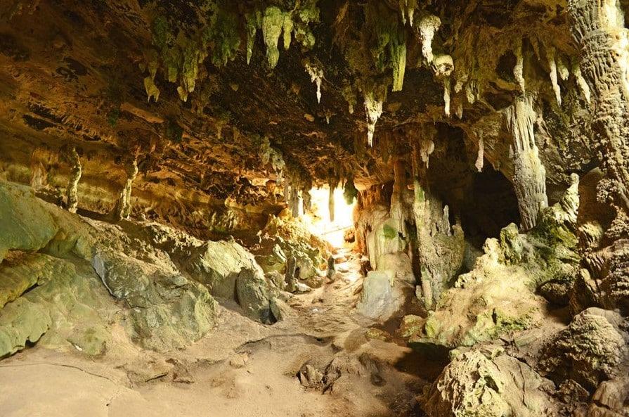 Tham Phu Hua To Cave